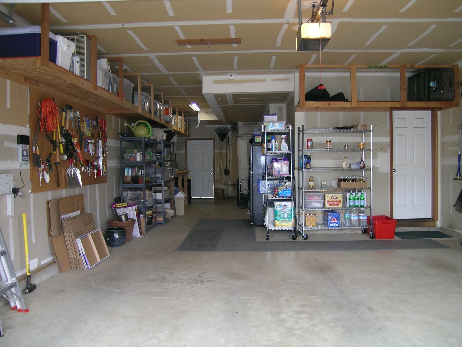 Photo of Garage Organization After1