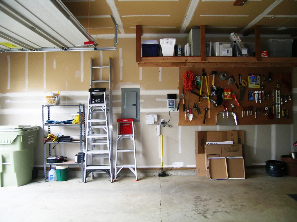 Photo of Garage Organization After2