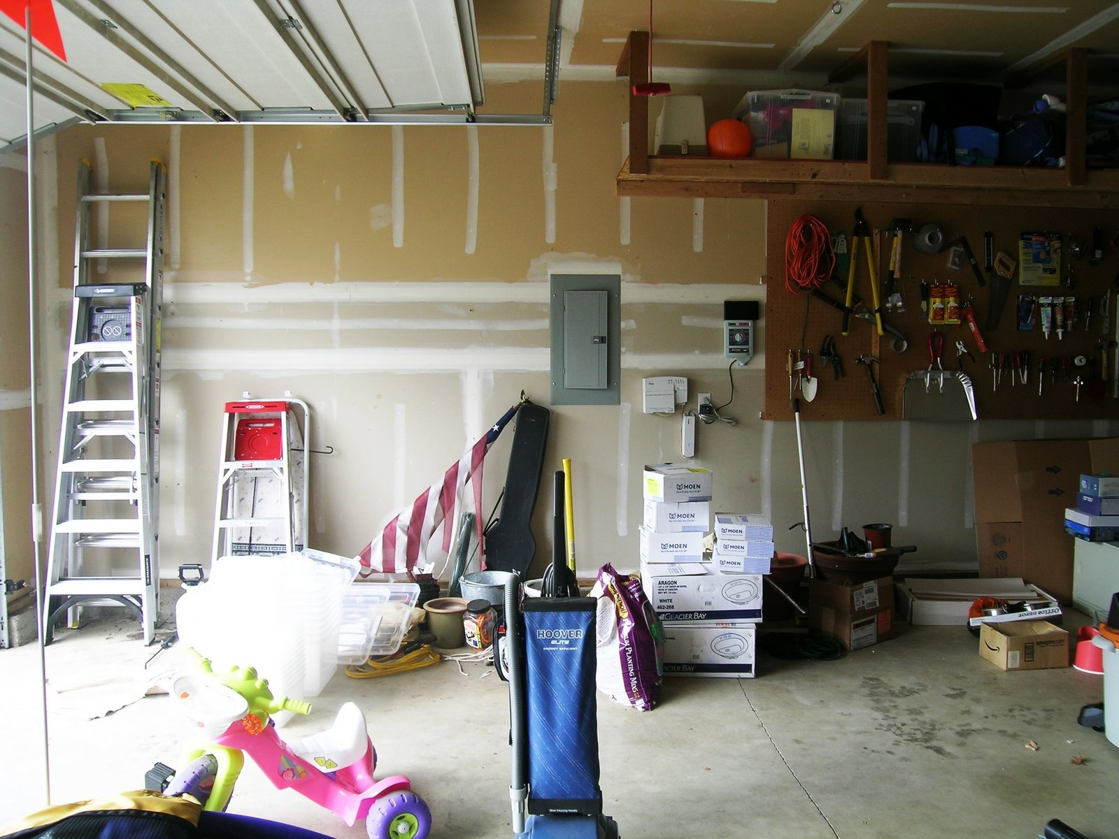 Photo of Garage Organization Before2