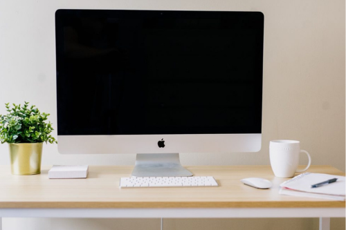 photo iMac on Desktop
